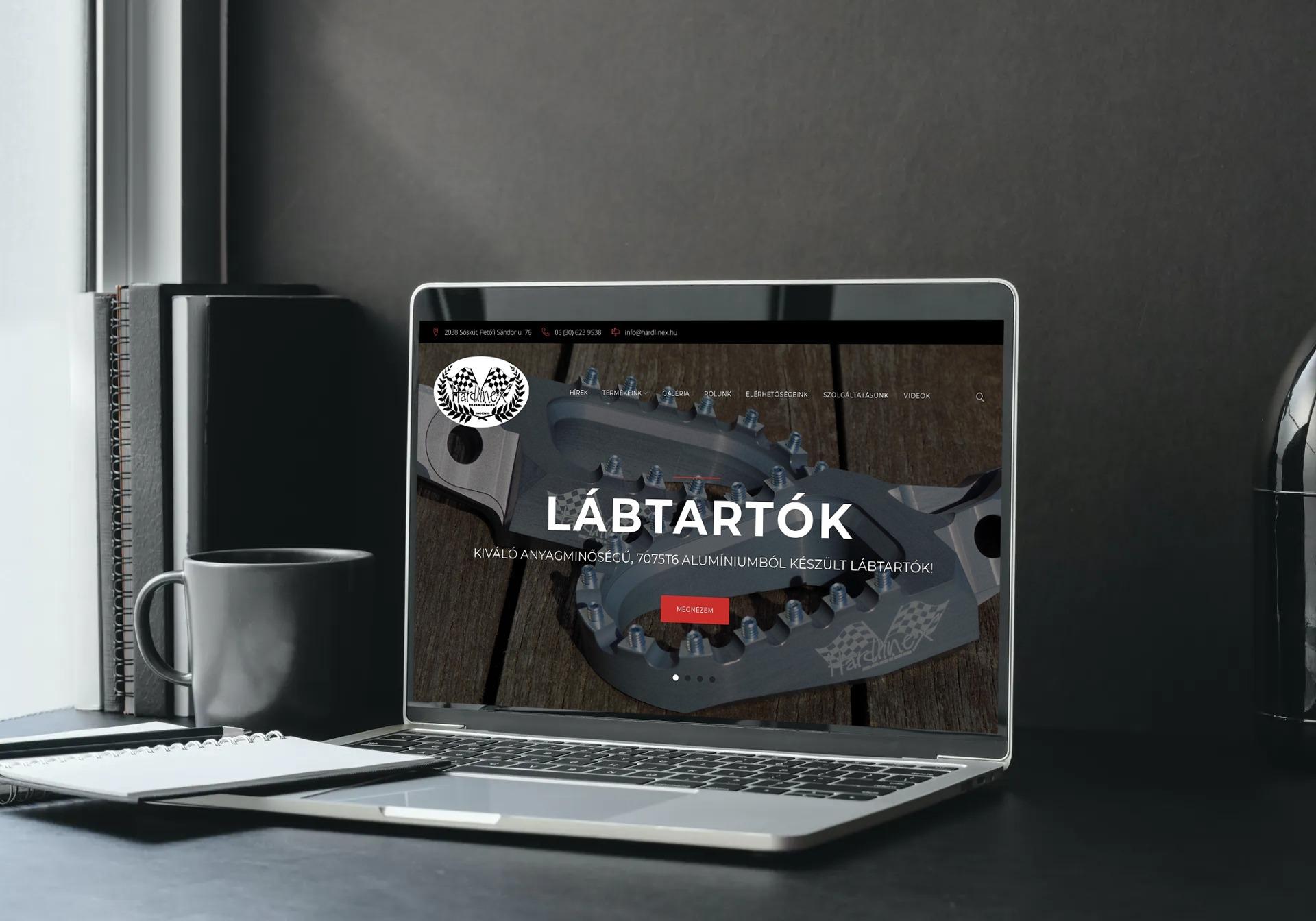 Hardlinex.hu weboldal megjelenése notebookon